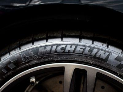 Marque de pneu : Le match Michelin – Pirelli