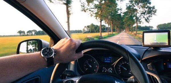 Faites baisser le montant de votre facture d'assurance auto avec ces 4 astuces