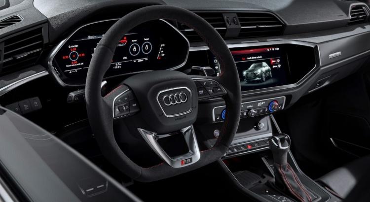 intérieur Audi RSQ3