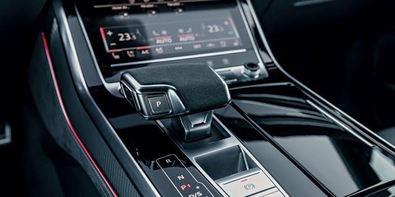 tableau de bord Audi RSQ8
