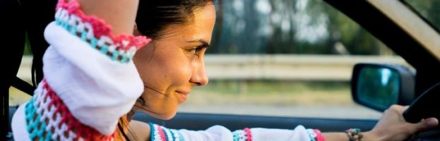 5 raisons pour lesquelles les femmes conduisent mieux que les hommes