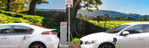 Réparation automobile Chandler – Quatre mythes sur les voitures hybrides