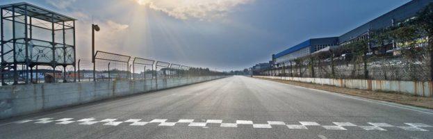 Course auto : comment améliorer les performances de votre voiture ?
